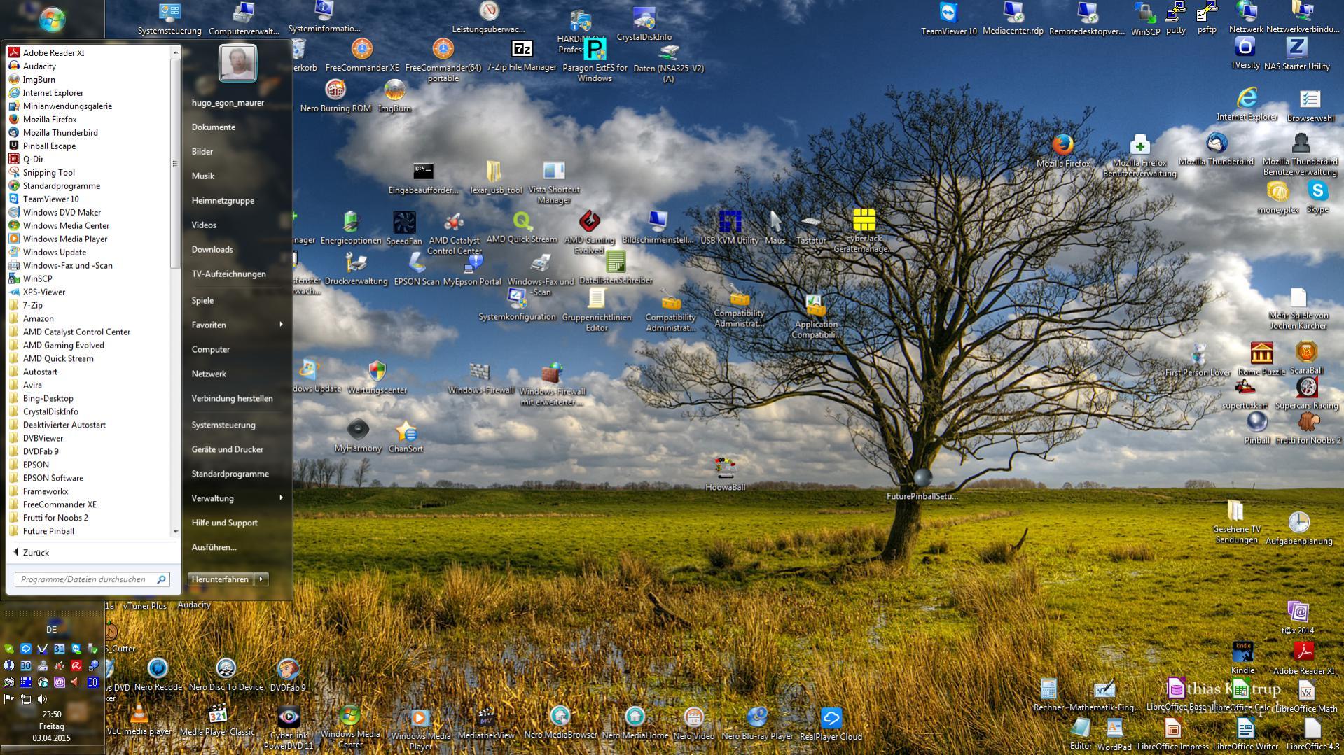 Klicke auf die Grafik für eine größere Ansicht  Name:Desktop mit Startmenü.jpg Hits:298 Größe:447,7 KB ID:78937