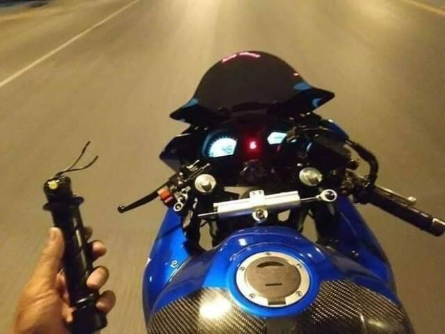 Motorrad - Griff ab.jpg