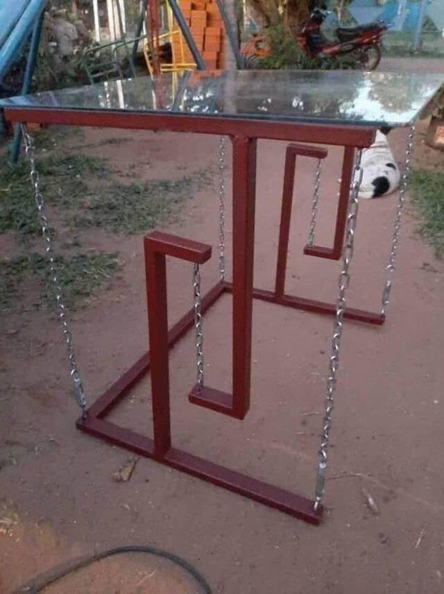 Schwebender Tisch.jpg
