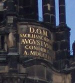 220px-Dresden_Hofkirche_Turminschrift.jpg
